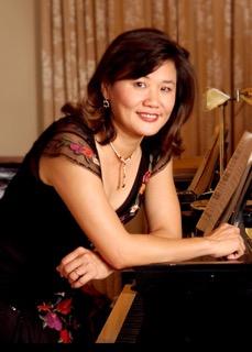 202. Yin Yin Huang 黄煐媖, pianist / 2015/05