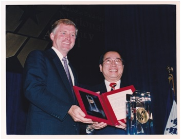 1 Representing Solectron, Winston Chen received the Malcolm Baldrige National Quality Award from Vice President Dan Quayle in October 1991