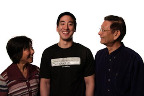 台美公民協會全美主席林君威與父母