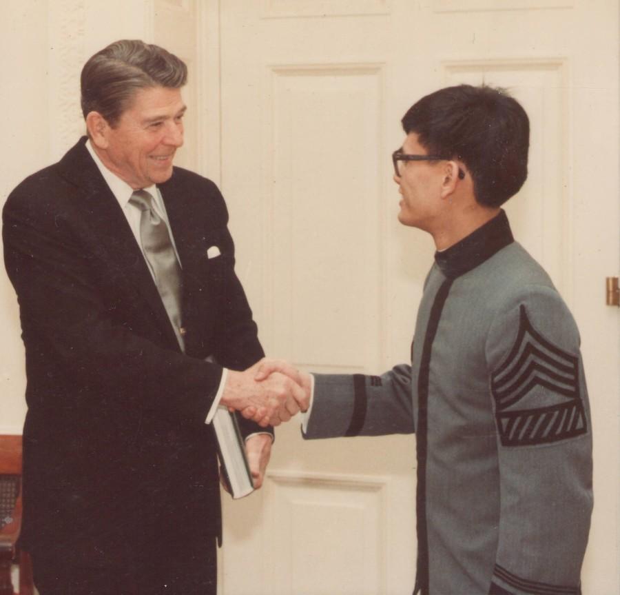 19840222 White House Photo B President Reagan w Cadet Dean Chang