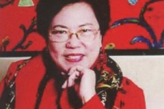 93. Collection of Mrs. Lucia Ho Chen 侯幸君女士的收藏