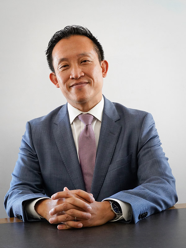 David Chiu 邱信福 in California